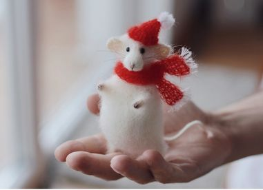 Christmas stuffed mouse doll